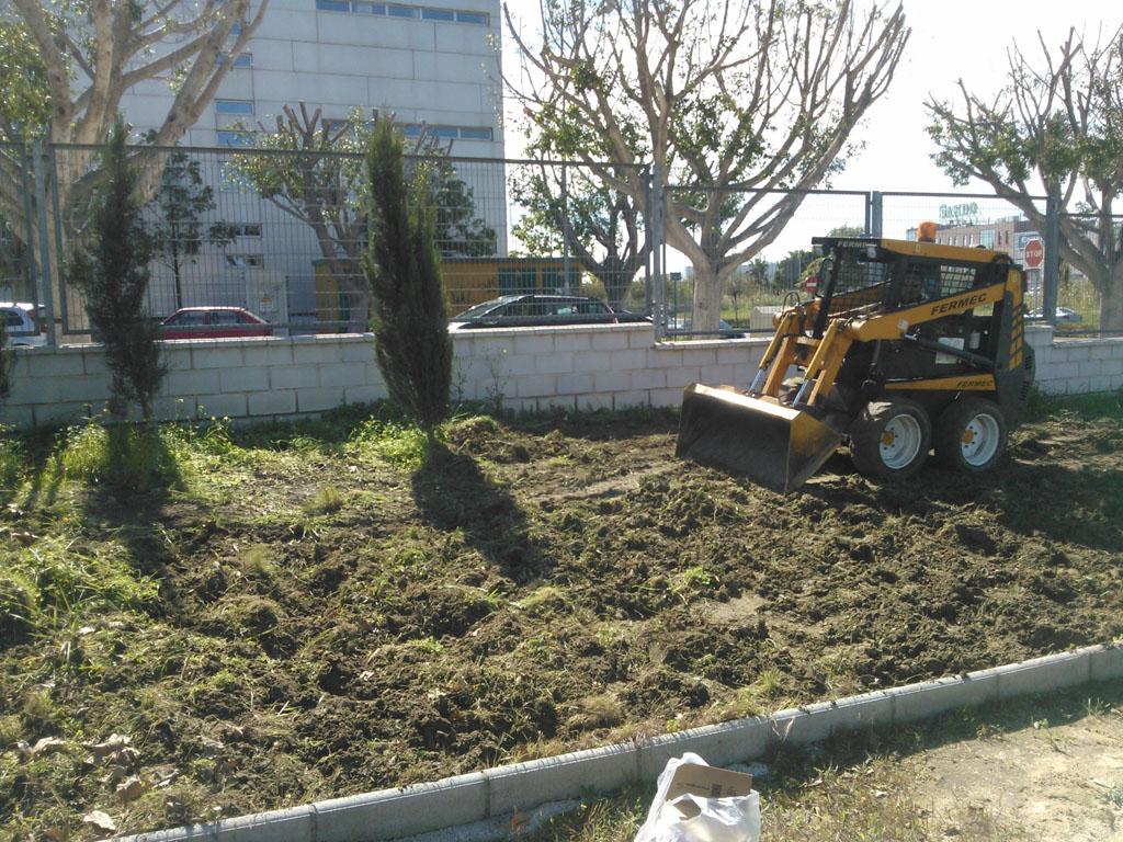 Puesta al d a de jardines y parcelas verde sur for Diseno de jardines en parcelas